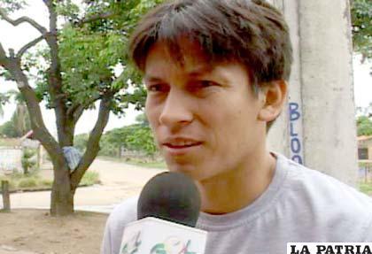 Joselito Vaca retorna al país con su futuro incierto (foto: APG)