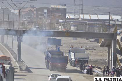 Parque automotriz es la principal causa de contaminación del aire en Oruro