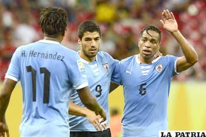 Hernández, Suárez y Pereira en el festejo