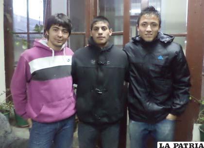 Tres de los cuatro futbolistas que hoy probarán en San José