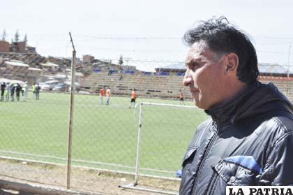 Marcos Ferrufino, entrenador de San José