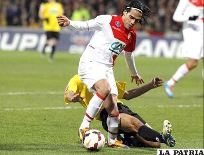 Radamel Falcao se lesionó vistiendo la casaca del Mónaco