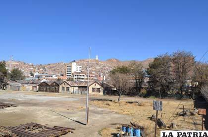 """En este lugar se pretende construir un """"macro"""" proyecto para mejorar el desarrollo urbanístico de Oruro"""