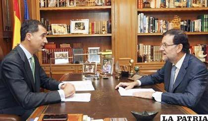 Nuevo rey de España, Felipe VI, en una entrevista con el presidente del gobierno, Mariano Rajoy