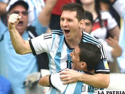 Lionel Messi hizo doblete en el partido