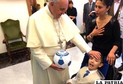 El regalo de Christopher al Papa