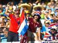 Los hinchas costarricenses estuvieron apoyando a su selección en todo momento