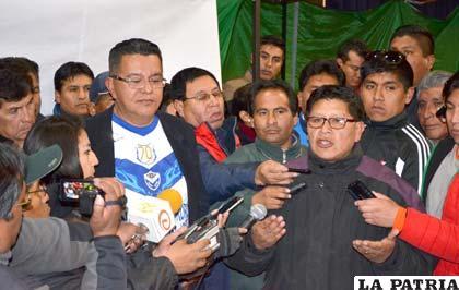 Montaño, del Comité Electoral, anuncia los resultados
