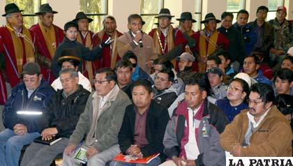 Los dirigentes de la Fejuve de El Alto rompieron el diálogo con la alcaldesa Chapetón
