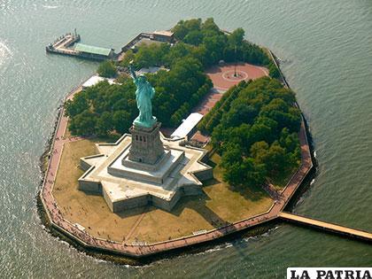 Tanto en 2014 como en 2015 se superaron los 4 millones de visitantes anuales a la isla de la Estatua de la Libertad