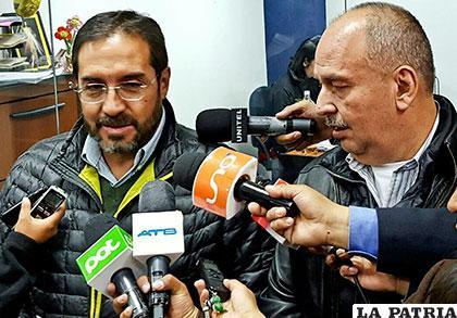 El senador Arturo Murillo (der.) y el ex diputado Jaime Navarro (izq.) /APG