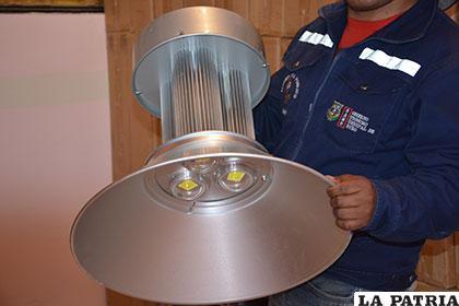 Nuevas luminarias serán colocadas en el mercado