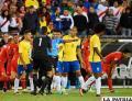 El árbitro uruguayo Andrés Cunha convalida el gol peruano