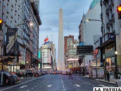 El obelisco de Buenos Aires-Argentina
