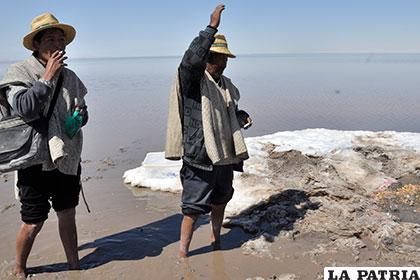 Buscan preservar el espejo de agua del lago Poopó