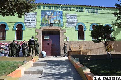 El penal de San Pedro donde están más de 700 personas