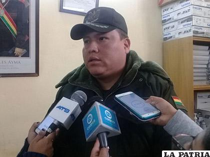 El gobernador del penal de San Pedro, capitán Iván Cuentas