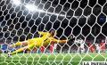 Kane rescata a Inglaterra con dos  remates, el último en el descuento