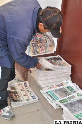 Los medios impresos, son los más afectados por la política que realiza el Gobierno de obligar a publicar avisos gratuitos /LA PATRIA/ARCHIVO