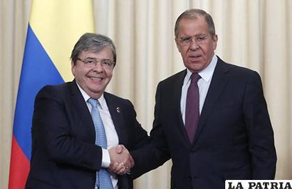 El canciller de Colombia, Carlos Holmes Trujillo y su colega ruso, Serguéi Lavrov /EFE