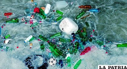 Canadá sólo recicla un 9 % de la basura plástica que genera y que el 87 % de los productos plásticos acaba en los vertederos