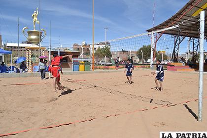La cancha de la ex Metabol fue el escenario del voleibol playa /Archivo/LA PATRIA