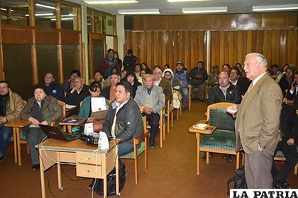 La actividad en la que se habló sobre la industrialización del litio se realizó ayer /LA PATRIA
