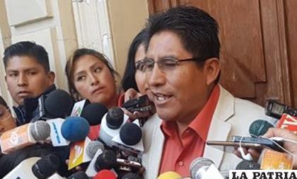 El gobernador Félix Patzi hizo su declaración un día después de la marcha demanda de la renuncia de los vocales /GADLP