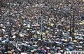Miles de ciudadanos de toda condición continuaron sumándose en defensa de sus libertades /La Prensa Latina