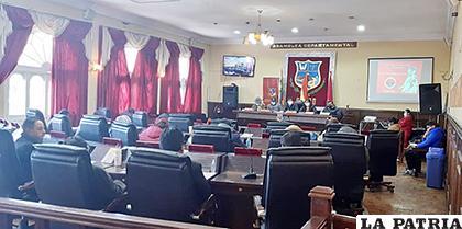 A cinco días de la designación continúan críticas por el cambio de gobernador /LA PATRIA/ARCHIVO