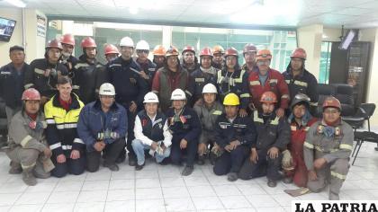 Trabadores de Ausmelt Team EMV /EMV