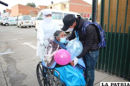 El reencuentro con sus familias fue emotivo /LA PATRIA