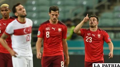 Doblete de Xherdan Shaqiri (23) para el triunfo de Suiza ante Turquía /as.com
