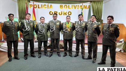El alto mando policial de Oruro festejó un nuevo aniversario /LA PATRIA