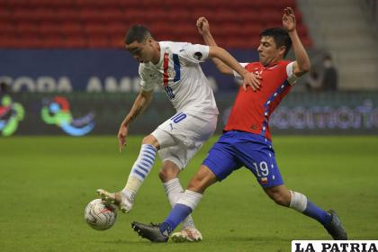 Paraguay logró el triunfo ante Chile de la mano de Miguel Almirón /andina.pe