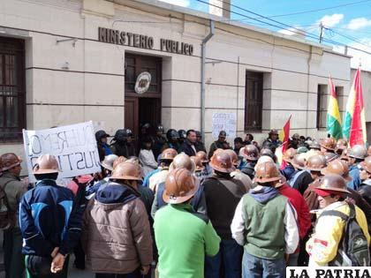 Mineros protestaron para exigir justicia