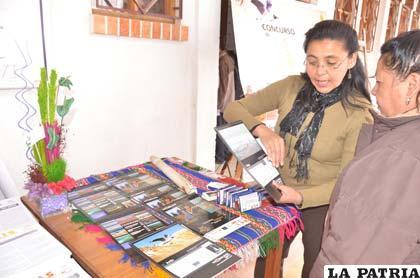 """Catherine Arreaño Flores, explicó contenido del calendario publicado por """"Yo amo a Bolivia"""""""