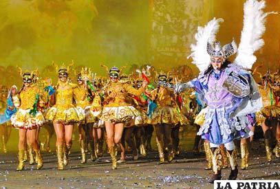 Diablada Urus luce la belleza de la diablada en Jujuy y apoya a la selección