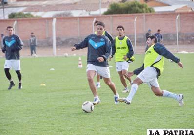 Jugadores de San José en pleno entrenamiento