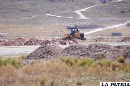 Obras que se realizan para el Aeropuerto Internacional de Oruro
