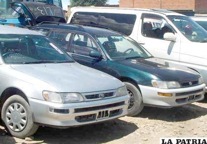 Varios vehículos indocumentados fueron incautados y Aduana prevé su remate (Foto archivo