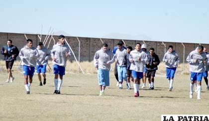 Jugadores de San José en el entrenamiento de ayer miércoles