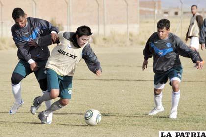 Ayer el equipo de San José hizo fútbol en su escenario deportivo
