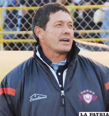 El D.T. Mauricio Soria