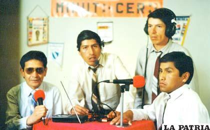 Roberto Ramírez, Omar Otazo, Edwin Otazo y René Chávez, el equipo de Minuto Cero en 1994