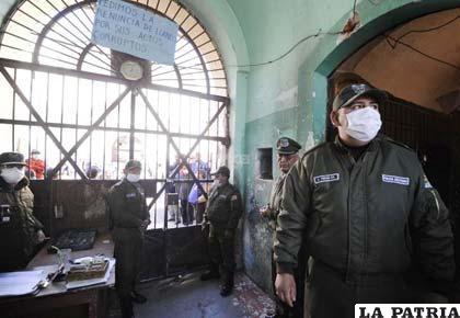 En La Paz evacuaron de la cárcel a más de 110 niños y niñas mayores de 11 años de edad