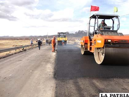 Trabajos de mantenimiento en tramo Patacamaya-Tambo Quemado
