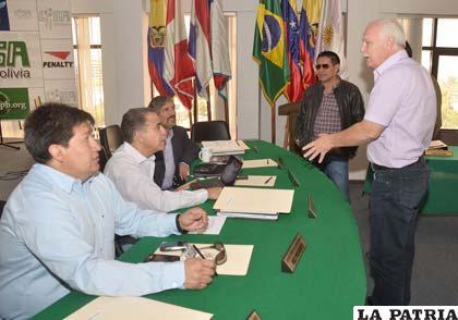 La reunión que se efectuó ayer en Cochabamba