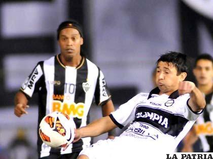 Ronaldinho Gaúcho y Aranda volverán a verse las caras