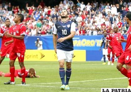 Donovan lamenta no concretar una opción de gol